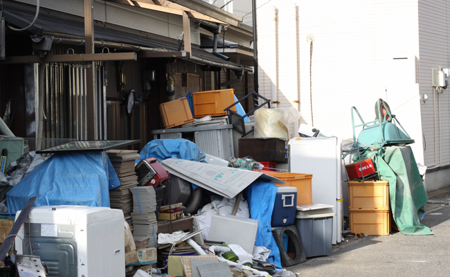「ゴミ屋敷 外から」の画像検索結果